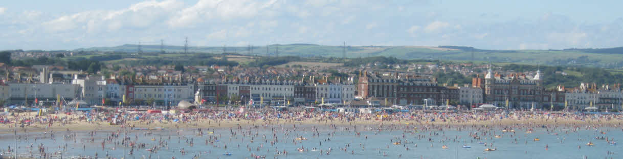 weymouth beach summer visitors